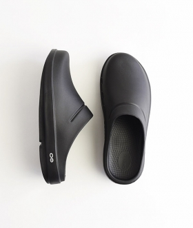 OOFOS (ウーフォス) OOcloog BLACK【MENS&WOMENS】